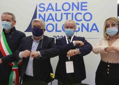 Da sx: Claudio Mazzarri (Ass. Mobilità Comune di Bologna);  Gianpiero Calzolari (pres. BolognaFiere) Gennaro Amato (pres. Snidi);  On. Michela Rostan (V.Pres. Commissione Affari Sociali camera dei Deputati)
