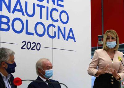 Da sx: Gianpiero Calzolari (pres. BolognaFiere);   Gennaro Amato (pres. Snidi);  On. Michela Rostan (V.Pres. Commissione Affari Sociali camera dei Deputati)