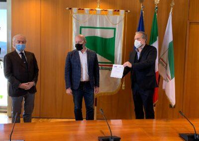 da sx G.Amato pres. Snidi, S. Bonaccini pres. Regione Emilia Romagna, A.Bruzzone dir.gen.BolognaFiere